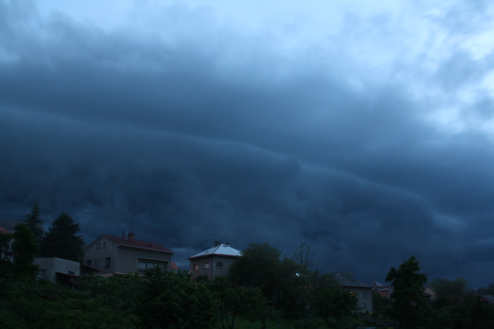 shelf-cloud---30052010---2.jpg