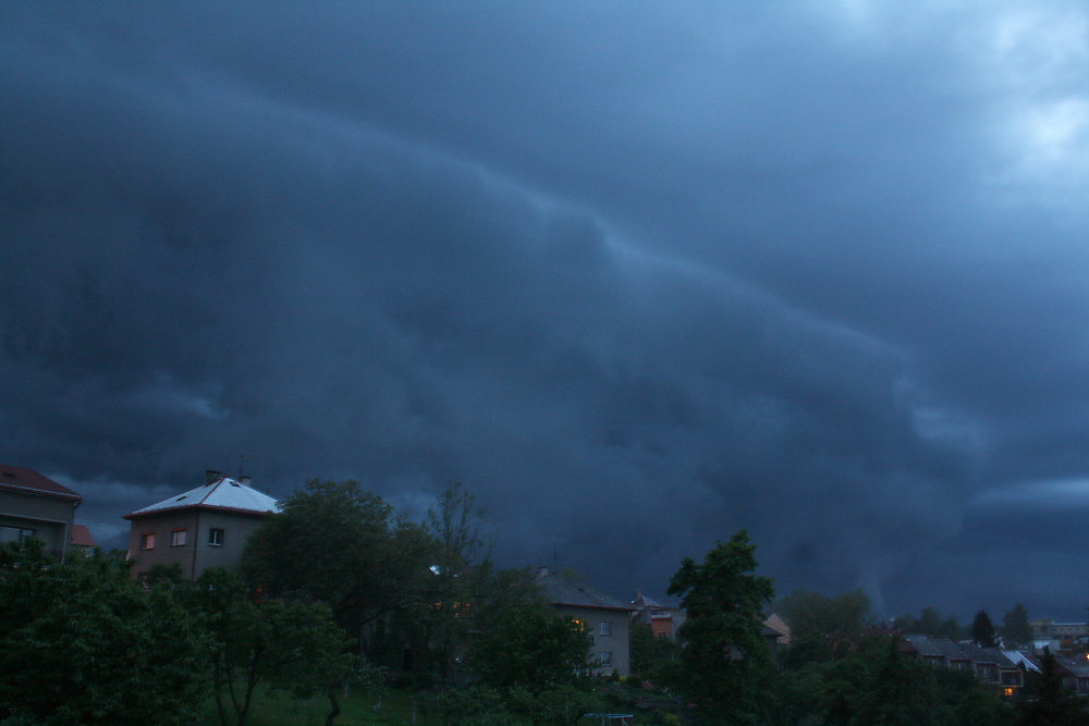 shelf-cloud---30052010---3.jpg