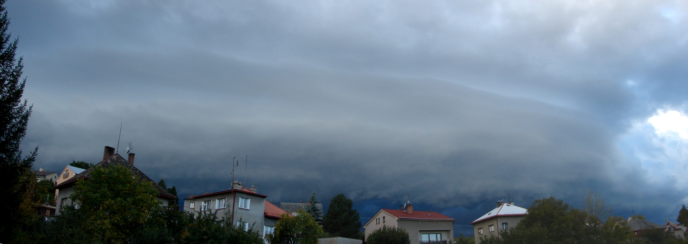 shelf-cloud---panorama.jpg